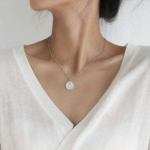 Coin Medallion Necklace (Silver)